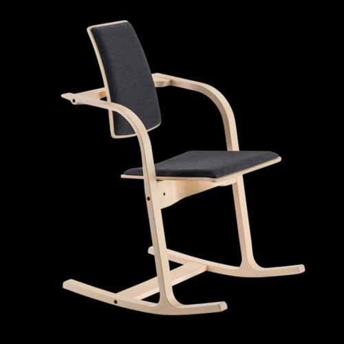 Immagini arredamenti sedie poltrone ergonomiche leggio for Poltrone stokke